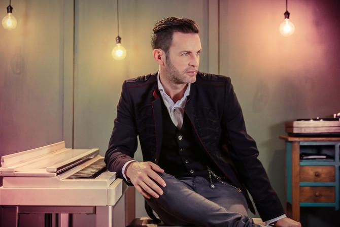 """De su nuevo álbum, Axel presenta el video y la canción """"Aire"""""""