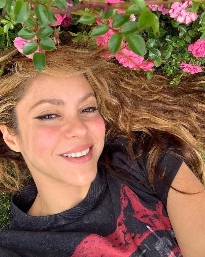 ¿Cuál es la canción que Shakira tiene en su cabeza todo el tiempo?