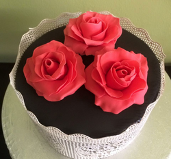 roses black and red birthday cake