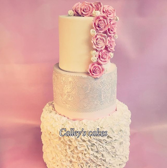 ruffles and lace pink and white cake