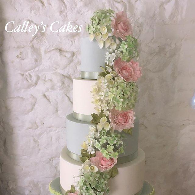 spring flowers cascade wedding cake