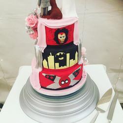 Reveal surprise wedding cake