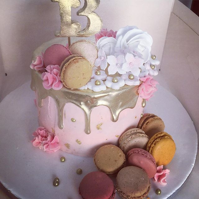 Drip Cake Macaron Pink And Gold Womans Birthday