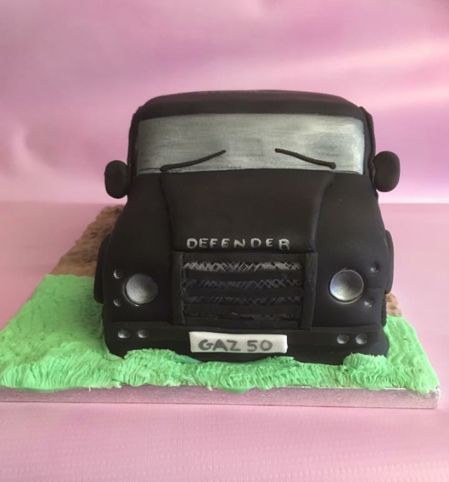 defender car birthday cake