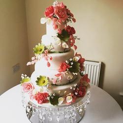 vintage floral wedding cake