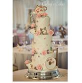 Themed wedding cake alice in wonderland
