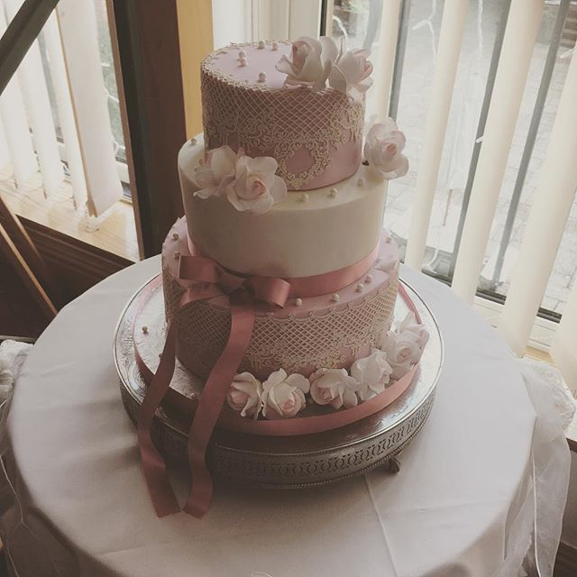 lace and pearl wedding cake