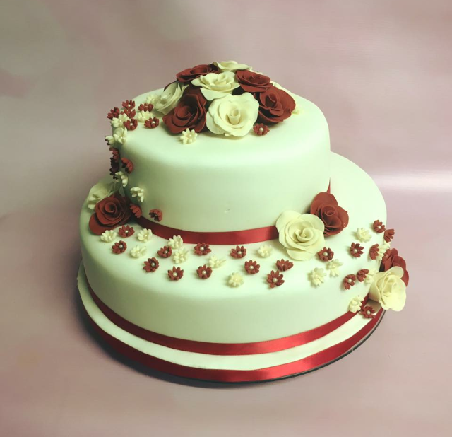 Red and Ivory wedding cake