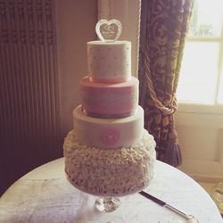Pink and white wedding cake ruffles
