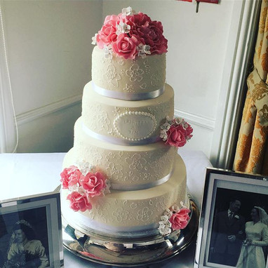 four tier wedding cake at the Hicksted