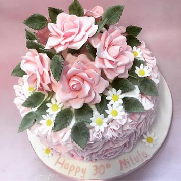Birthday cake, roses birthday cake, pretty birthday cake, flower birthday cake, 30th birthday cake, daisy birthday cake, sugar flower birthday cake