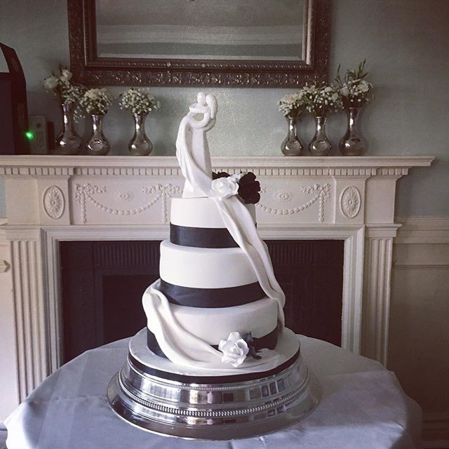 Black And White Wedding Cake Findon Manor