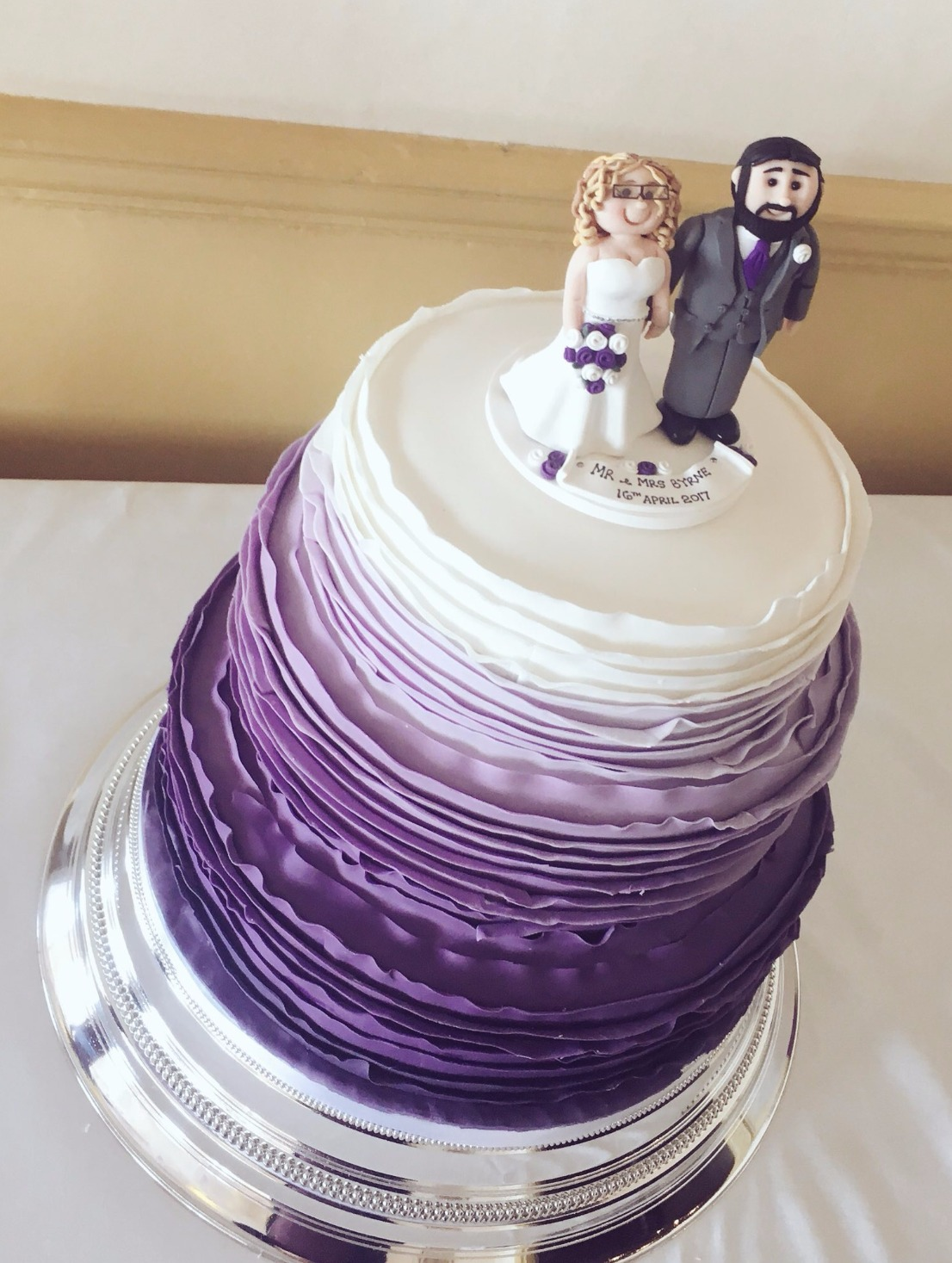 ruffles wedding cake ombre
