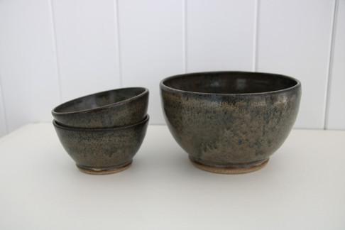 serving bowl + matching bowls