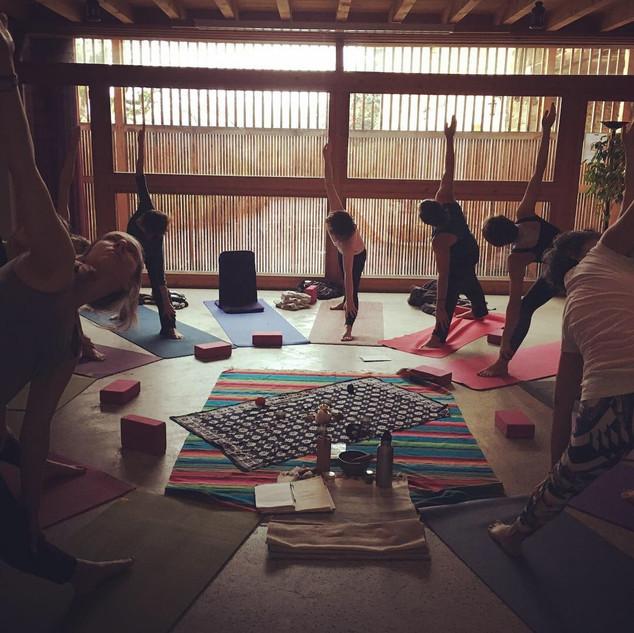 Salle de pratique yoga et méditation
