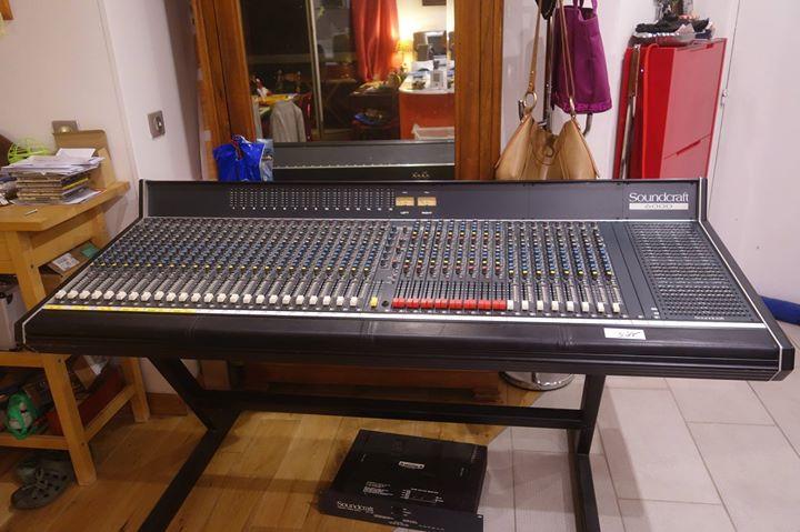 Facebook - The new mixing board 48ch , la nouvelle table de mixage :)