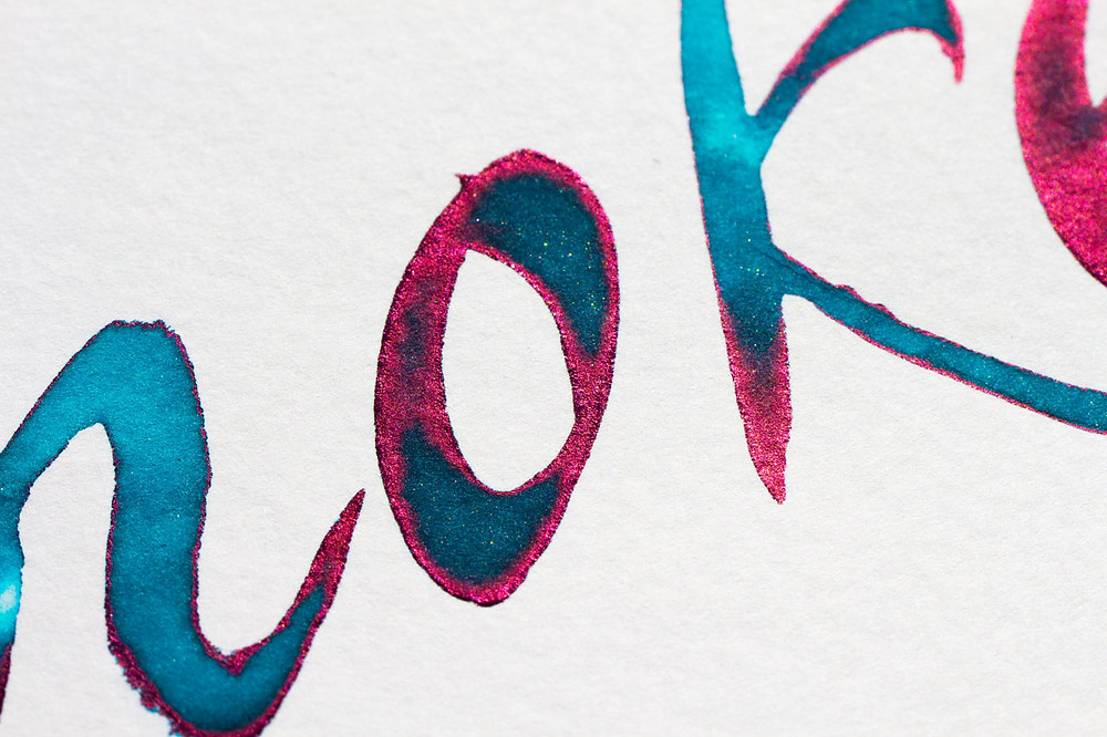 "Diamine Tinte ""Smoke on the water"" mit rotem Sheen"