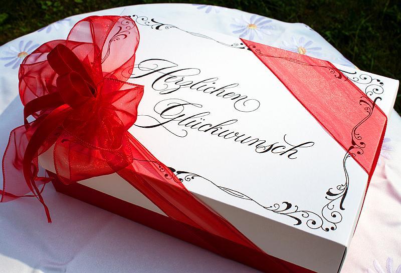 Kalligrafische Geschenkschachtel
