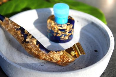 Blauer Obliquefederhalter
