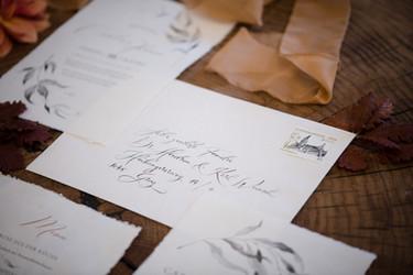 Kalligrafische Kuvertbeschriftung