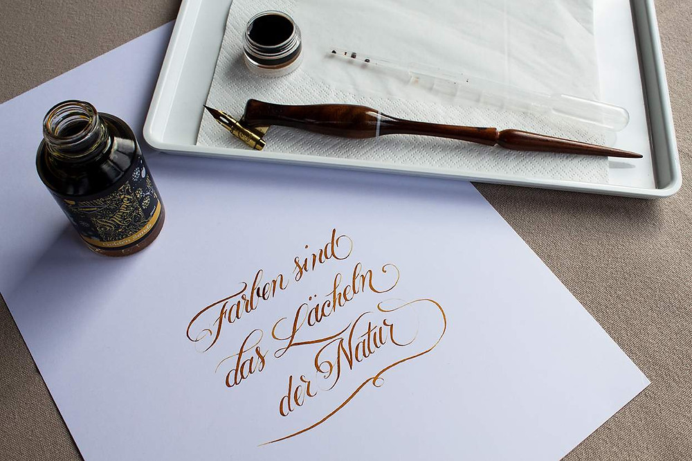 Farben sind das Lächeln der Natur, Kalligrafie mit Diamine Golden Sands