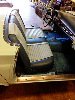1957 Ford T-Bird Two-Tone Gray Seat-2