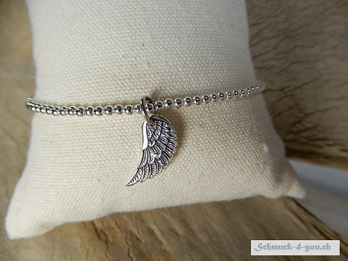 Silberarmband mit Engelsflügelanhänger