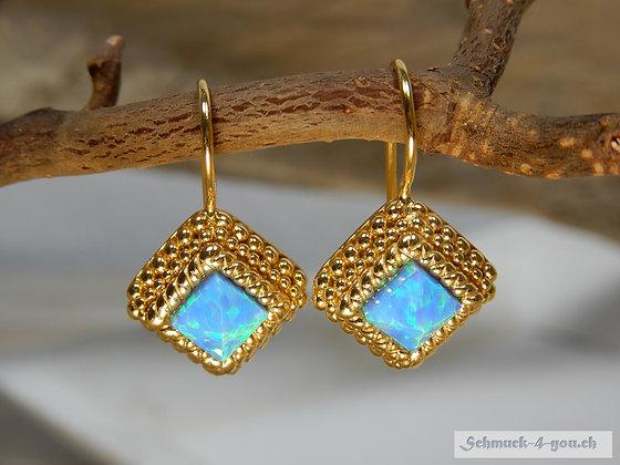 """""""Pyramid"""" Opal, vergoldet"""