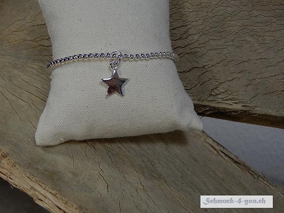 Silberarmband mit Sternanhänger