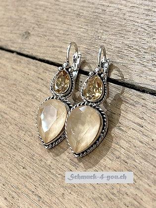 Ohrhänger mit zwei Tropfen-Kristallen, versilbert, diverse Farben