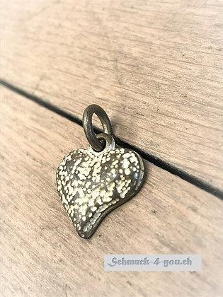 Herz Sahara, Amulett S