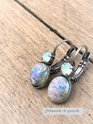Ohrhänger hellblau mit Swarovski hellblau