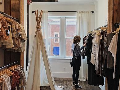 woman cloth store (1).jpg