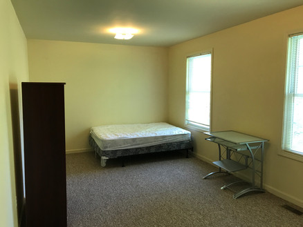 1417 Broadway #2 bedroom #4 (2).JPG