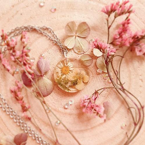 Pressed Flower Lawn Daisy & Violet Pendant