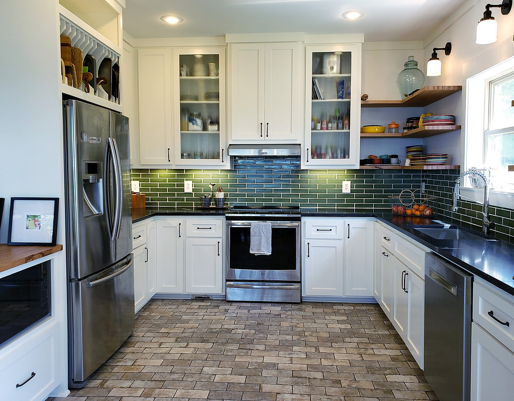dk -- whole kitchen with some peninsula.