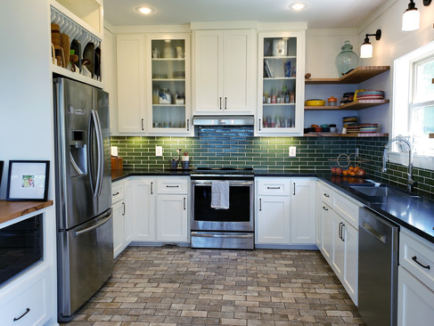 dk-whole-kitchen-with-some-peninsula.jpg