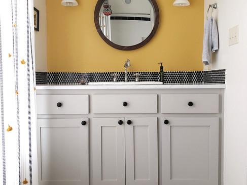 home-pics-upstairs-bathroom-mustard-paint_edited.jpg