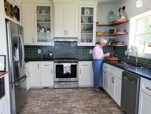 dk-whole-kitchen-with-sarah.jpg
