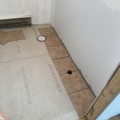 New Tiles for Kitchen's Bathroom