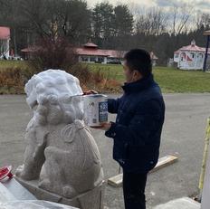 Urgyen la painting the lion