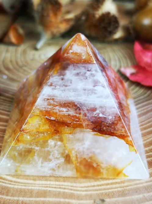 Golden healer piramide
