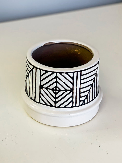Black & White Tribal Pot 4""