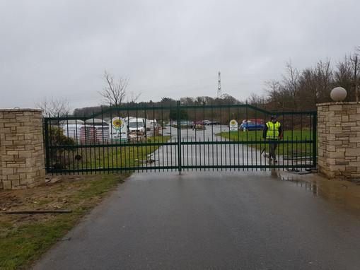 Stone Cross Garden Centre Gates Railings