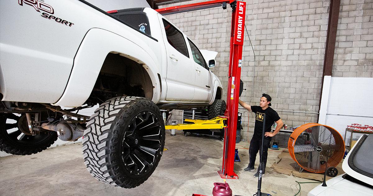 lifting taco nick.jpg
