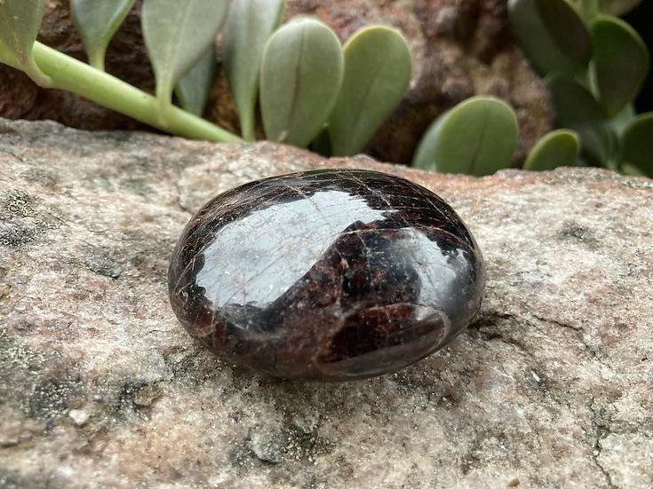 Garnet Palmstone