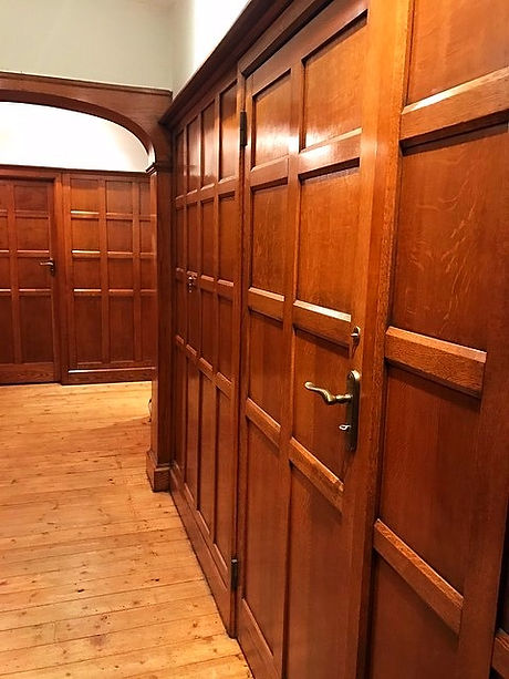 oak panelling after restoration  and repolishing
