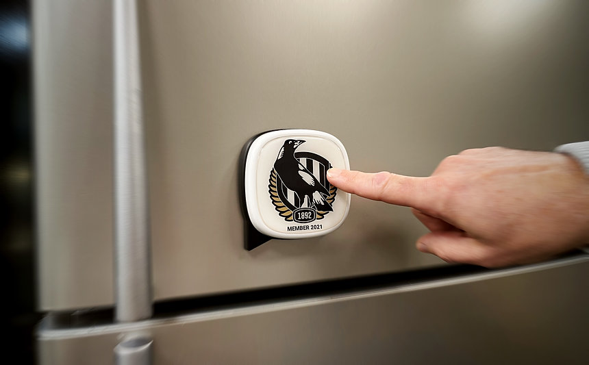 Fanzio collingwood button on fridge - 3