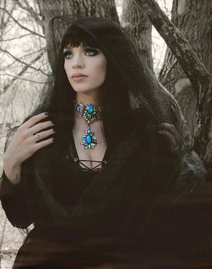 Dragon Queen PAgan Goddess Wiccan Inspiration Khalessi Daenerys gothic beauty alternatice model