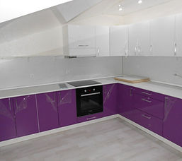 фиолетовая кухня недорогая под заказ в М